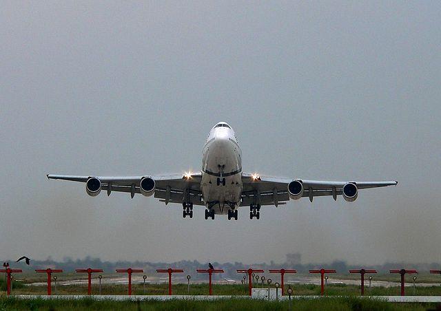 640px-Lahore-PIA-747-TakeOff-80375